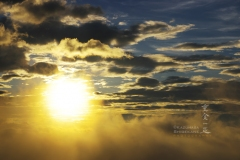 雲海越しの朝陽