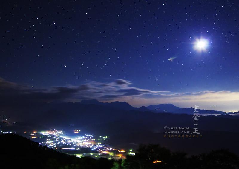 月光下の白馬村