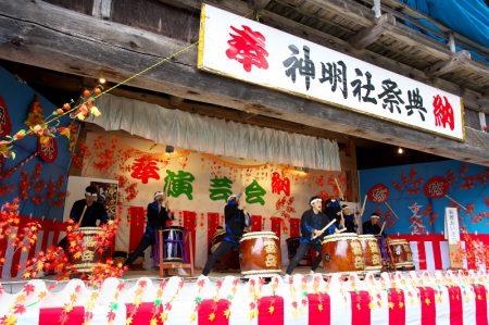 白馬村神城飯田 神明社 秋季例祭 神楽殿での奉納演芸