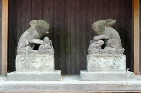 調神社 先代の狛うさぎ